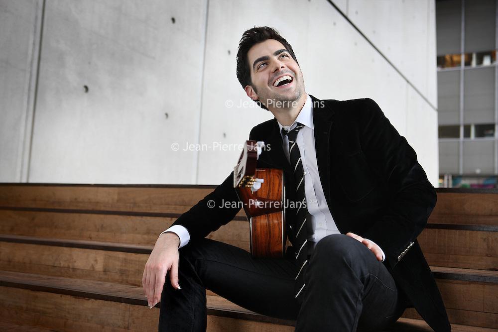 Nederland, Amsterdam , 17 mei 2011..De uit Montenegro afkomstige klassieke gitarist Milo Karadaglic.Foto:Jean-Pierre Jans
