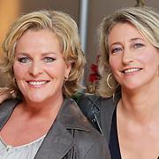 NLD/Hilversum/20111104- Perspresentatie najaar 2011 / 2012 omroep Max, Elles de Bruin en Margreet Reijntjes