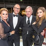 NLD/Amsterdam/20171207 - Masters of LXRY vipavond 2017, Connie Witteman en partner Eugène van Dun met Harry Mens en dochter Nour
