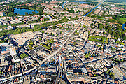 Nederland, Noord-Brabant, Den Bosch, 23-08-2016; binnenstad Den Bosch met  Hinthamerstraat en kermis op de Markt. De lege plek aan de Tolbrugstraat is het GZG terrein (voorheen Groot Zieken Gasthuis). Zuid-Willemsvaart in het verschiet.<br /> Town centre Den Bosch with fiar on Market square.<br /> <br /> luchtfoto (toeslag op standard tarieven);<br /> aerial photo (additional fee required);<br /> copyright foto/photo Siebe Swart