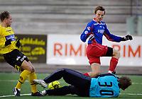 Fotball, Adecco-ligaen, 23.04.06, Tromsdalen - Moss<br /> Lars Herbert Nordgård,  (Moss) og Morten Giæver (Tromsdalen) etter redning av Moss-keeper.<br /> Foto: Tom Benjaminsen, Digitalsport
