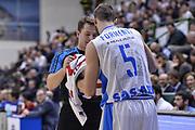 DESCRIZIONE : Eurocup 2015-2016 Last 32 Group N Dinamo Banco di Sardegna Sassari - Cai Zaragoza<br /> GIOCATORE : Tomas Jasevicius Matteo Formenti<br /> CATEGORIA : Fair Play Arbitro Referee<br /> SQUADRA : Dinamo Banco di Sardegna Sassari<br /> EVENTO : Eurocup 2015-2016<br /> GARA : Dinamo Banco di Sardegna Sassari - Cai Zaragoza<br /> DATA : 27/01/2016<br /> SPORT : Pallacanestro <br /> AUTORE : Agenzia Ciamillo-Castoria/L.Canu