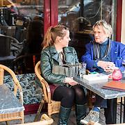 NLD/Amsterdam/20161125 - Boekpresentatie Johnny Rep Biografie, Marieke Derksen en oud scheidsrechter Frans Derks