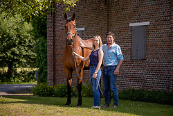 Pauwels Peter, Caro Pauwels, Olivia van het Steentje, veulen, U2 van het Steentje<br /> Stal van het Steentje - Oppuurs 2020<br /> © Hippo Foto - Dirk Caremans<br /> 09/05/2020