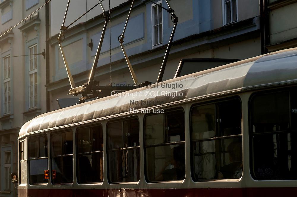 République Tchèque, Prague, Nové Mesto,  Tramway dans circulation // Czech Republic, Prague, Nove Mesto, tramway in traffic