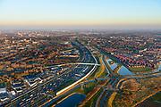 Nederland, Zuid-Holland, Charlois, 07-02-2018; A15 met geluidsscherm ter hoogte van verzorgingsplaats Rhoon. Links Pendrecht, rechts Smitshoek.<br /> A15 with noise barrier.<br /> <br /> luchtfoto (toeslag op standard tarieven);<br /> aerial photo (additional fee required);<br /> copyright foto/photo Siebe Swart
