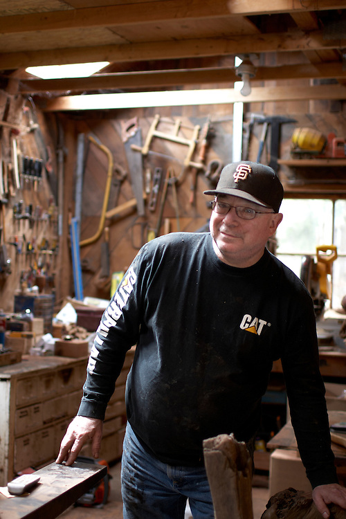 Bernie Korbly - Korbly Wood Products, slabs, furniture, gifts, carvings, custom woodwork, Avenue of the Giants, California