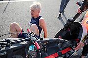 Iris Slappendel in de VeloX 7 tijdens de zesde en laatste racedag. Het Human Power Team Delft en Amsterdam, dat bestaat uit studenten van de TU Delft en de VU Amsterdam, is in Amerika om tijdens de World Human Powered Speed Challenge in Nevada een poging te doen het wereldrecord snelfietsen voor vrouwen te verbreken met de VeloX 7, een gestroomlijnde ligfiets. Het record is met 121,81 km/h sinds 2010 in handen van de Francaise Barbara Buatois. De Canadees Todd Reichert is de snelste man met 144,17 km/h sinds 2016.<br /> <br /> With the VeloX 7, a special recumbent bike, the Human Power Team Delft and Amsterdam, consisting of students of the TU Delft and the VU Amsterdam, wants to set a new woman's world record cycling in September at the World Human Powered Speed Challenge in Nevada. The current speed record is 121,81 km/h, set in 2010 by Barbara Buatois. The fastest man is Todd Reichert with 144,17 km/h.