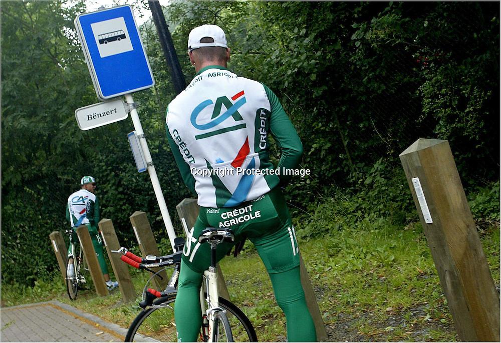Luxembourg, 4.7.2002: Thor Hushovd under trening i Luxembourg. Thor Hushovd (24) er sterk og hurtig. Treneren mener Grimstad-gutten kommer til å slå til opp Champs Elysées - under siste etappe av Tour de France.....Foto: Daniel Sannum Lauten/Dagbladet *** Local Caption *** Hushovd,Thor