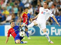 Basel, 21.08.2012, Fussball Champions League - FC Basel - CFR Cluj. <br /> <br /> Marcelo Diaz (Basel) gegen Pantelis Kapetanos (Cluj)<br /> Norway only