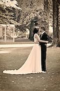 Portland Park Blocks, wedding, bride and groom kissing
