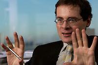 10 JAN 2005, BERLIN/GERMANY:<br /> Roger Koeppel, Chefredakteur der Tageszeitung Die Welt, waehrend einem Interview, in seinem Buero, Axel-Springer-Haus<br /> IMAGE: 20050110-02-022<br /> KEYWORDS: Roger Köppel