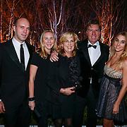 NLD/Amsterdam/20121206 - VIP night Masters of LXRY, Aad de Mos, partner Gerarda de Reus, dochters Tessa en Esmee