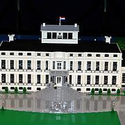 NLD/Apeldoorn/20081101 - Opening tentoonstelling SpeelGoed op paleis Het Loo, paleis Soestdijk in lego