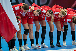Teamspirit at the polish team prior to the Women's EHF Euro 2020 match between Poland and Romania at Sydbank Arena on december 05, 2020 in Kolding, Denmark (Photo by RHF Agency/Ronald Hoogendoorn)