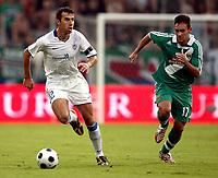 Fotball<br /> Kypros<br /> Foto: Gepa/Digitalsport<br /> NORWAY ONLY<br /> <br /> 06.08.2008<br /> UEFA Champions League Qualifikation, SK Rapid Wien vs Anorthosis Famagusta FC. <br /> <br /> Bild zeigt Predrag Ocokoljic (Famagusta) und Veli Kavlak (Rapid)