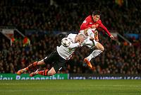 Manchester United's Shinji Kagawa (right) in action with Shakhtar Donetsk's Yaroslav Rakitskiy