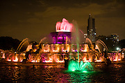 Chicago's Buckingham Fountain colorful after dark light show