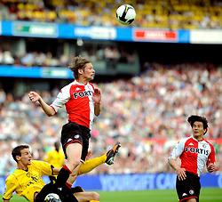 27-04-2008 VOETBAL: KNVB BEKERFINALE FEYENOORD - RODA JC: ROTTERDAM <br /> Feyenoord wint de KNVB beker - Theo Lucius en Davy de Fauw<br /> ©2008-WWW.FOTOHOOGENDOORN.NL