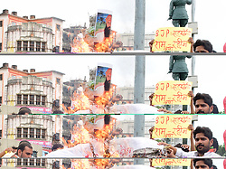 August 28, 2017 - Allahabad, Uttar Pradesh, India - Allahabad: congress workers burning an effigy and shouting slogan against Baba Ram Rahim as Baba Ram rahim held guitly of Rape, in Allahabad on 28-08-2017. (Credit Image: © Prabhat Kumar Verma via ZUMA Wire)