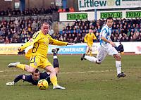 Photo: Daniel Hambury.<br />Brighton & Hove Albion v Leicester City. Coca Cola Championship. 11/02/2006.<br />Leicester's Iain Hume scores to make it 0-2.
