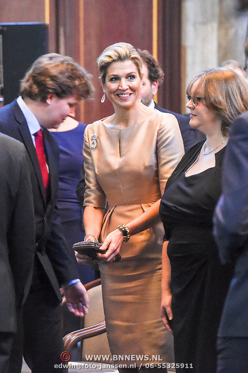 NLD/Amsterdam/20151125 - Koning Willem Alexander reikt Erasmusprijs 2015 uit, Koningin Maxima , Lodewijk Gelauff, Phoebe Ayers
