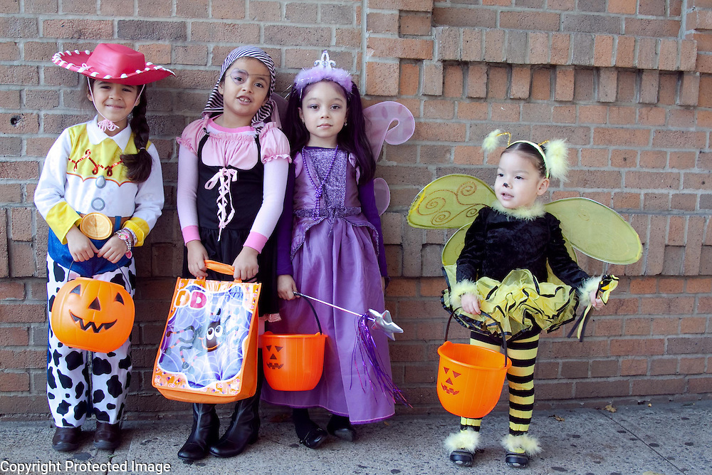 Children in costume on Halloween, NYC. Photography by Debbie Zimelman, Modiin, Israel