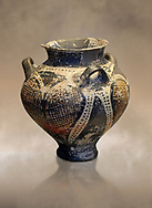 Small Mycenaean amphora decorated with large ivy leaves, Grave VI, Grave Circle A, Mycenae 16-15 Cent BC. National Archaeological Museum Athens. Cat No 192 .<br /> <br /> If you prefer to buy from our ALAMY PHOTO LIBRARY  Collection visit : https://www.alamy.com/portfolio/paul-williams-funkystock/mycenaean-art-artefacts.html . Type -   Athens    - into the LOWER SEARCH WITHIN GALLERY box. Refine search by adding background colour, place, museum etc<br /> <br /> Visit our MYCENAEN ART PHOTO COLLECTIONS for more photos to download  as wall art prints https://funkystock.photoshelter.com/gallery-collection/Pictures-Images-of-Ancient-Mycenaean-Art-Artefacts-Archaeology-Sites/C0000xRC5WLQcbhQ