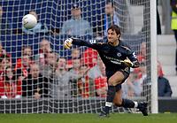 Photo: Glyn Thomas.<br />Chelsea v Liverpool. The FA Cup, Semi-Final. 22/04/2006.<br />Chelsea keeper Carlo Cudicini.