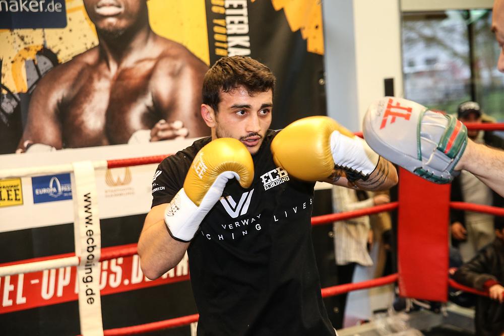 Boxen: Boxen Live, EC Boxing & SES Boxpromotion, Hamburg, 15.01.2020<br /> Öffentliches Training: Volkan Götz<br /> © Torsten Helmke