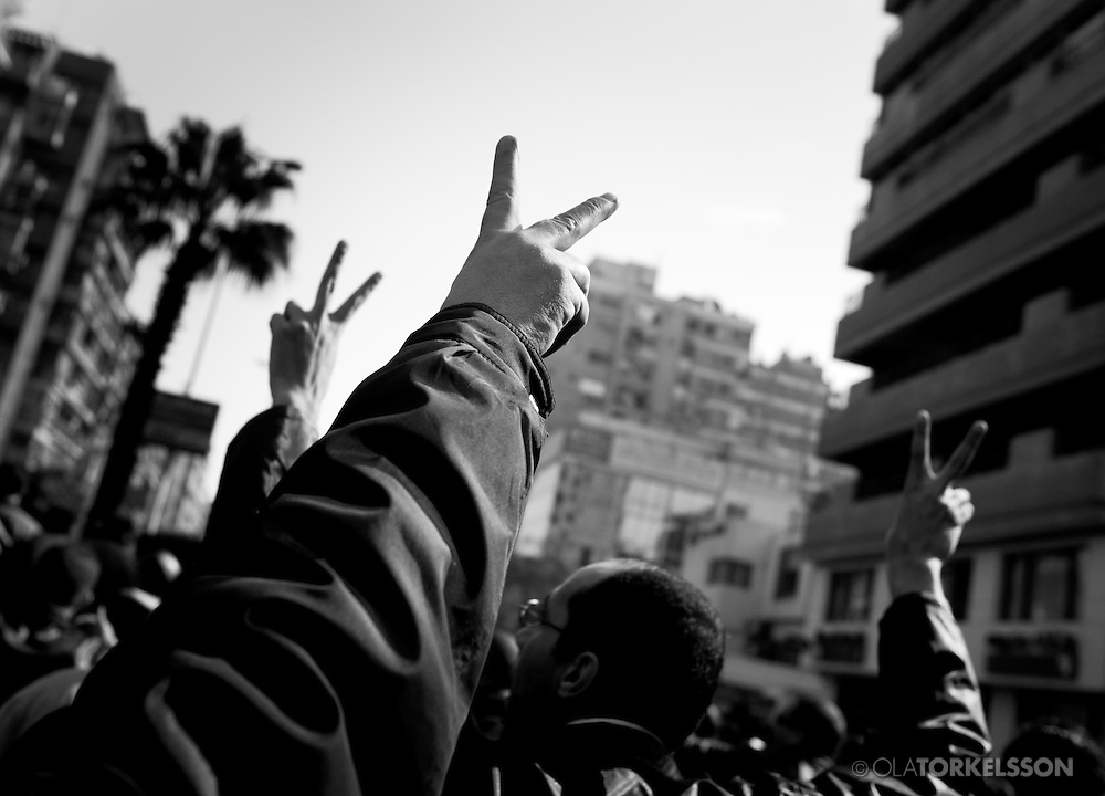 After the uprising in Tunisia in early January 2011 protests started in Egypt asking for president Hosni Mubarak to step down.<br /> Hundreds of thousands of people gathered at Cairo´s Tahrir Square. On Friday the 28th of January, demonstrators clashed with police and security forces all around Egypt.