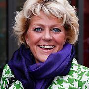 NLD/Amsteram/20121024- Presentatie biografie Joop van den Ende, Simone Kleinsma