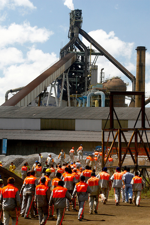 Ouro Branco_MG, Brasil...Operarios trabalhando na expansao de uma industria siderurgica...Workers working in the steel industry expansion...Foto: LEO DRUMOND / SAMUEL AGUIAR / NITRO.