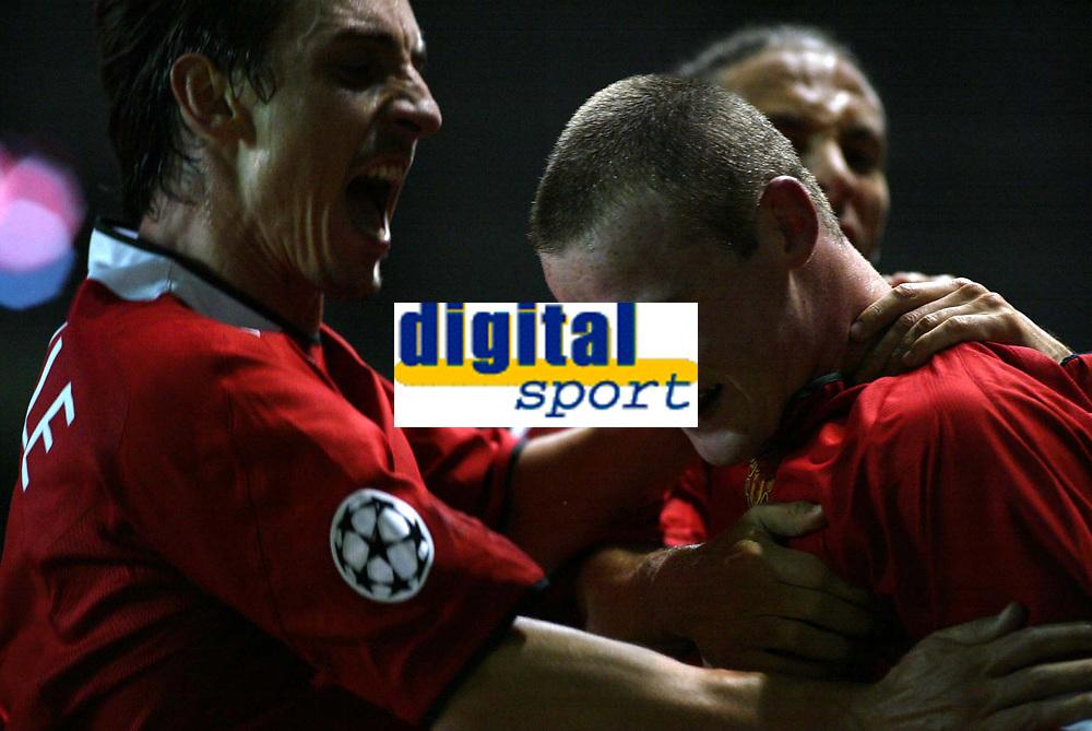 MANCHESTER UNITED V FENERBACHE SK   CHAMPIONS LEAGUE 28/09/04<br /> WAYNE ROONEY (MACNHESTER UNITED) CELEBRATES MAN UTD SECOND GOAL ON HIS DEBUT<br /> PHOTO MARTYN HARRISON/ Digitalsport