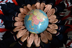 April 19, 2018 - Handan, Handan, China - Handan, CHINA-19th April 2018: Pupils learn knowledge on environmental protection at a primary school in Handan, north China's Hebei Province, April 19th, 2018, marking the upcoming World Earth Day. (Credit Image: © SIPA Asia via ZUMA Wire)