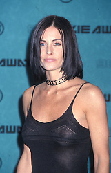 May 30, 1998; Los Angeles, CA, USA; Actress COURTENEY  COX @ 1998 MTV Movie Awards. (Credit Image: © Jane Caine/ZUMAPRESS.com)
