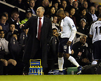 Photo: Olly Greenwood.<br />Tottenham Hotspur v Charlton Athletic. The Barclays Premiership. 09/12/2006. Charlton manager Les Reed looks dejected while former Charlton player Jermaine Defoe looks on