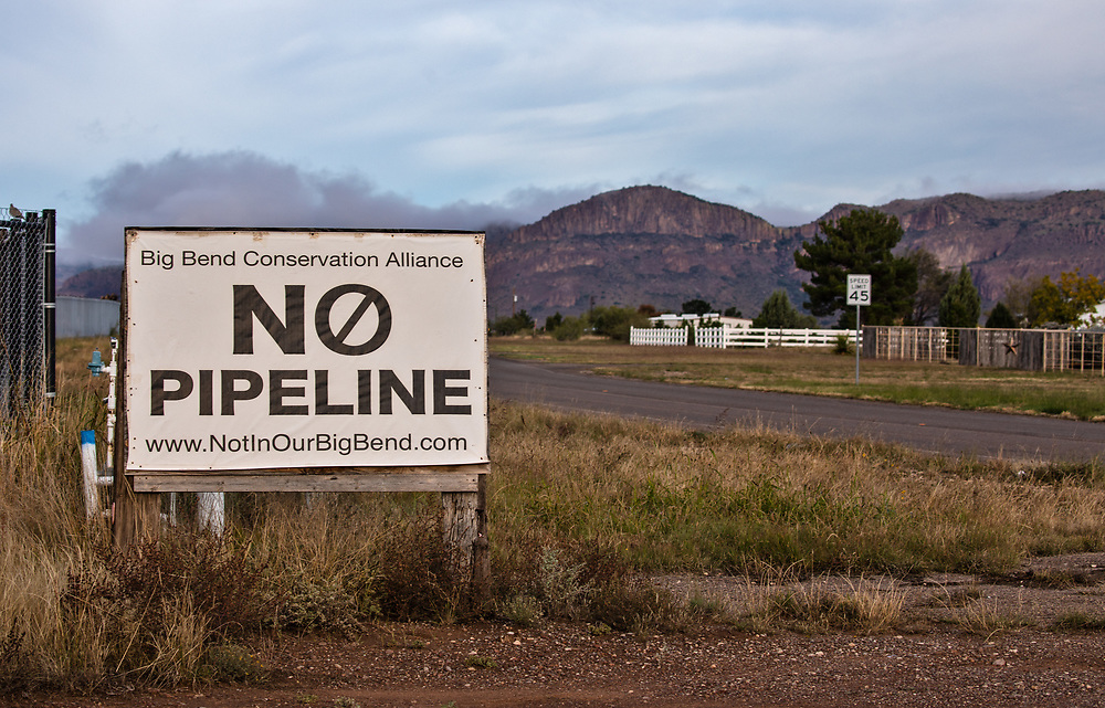 An anti-pipeline sign near the Glovers' residence in Alpine, Texas near the ETP's Trans-Pecos pipeline