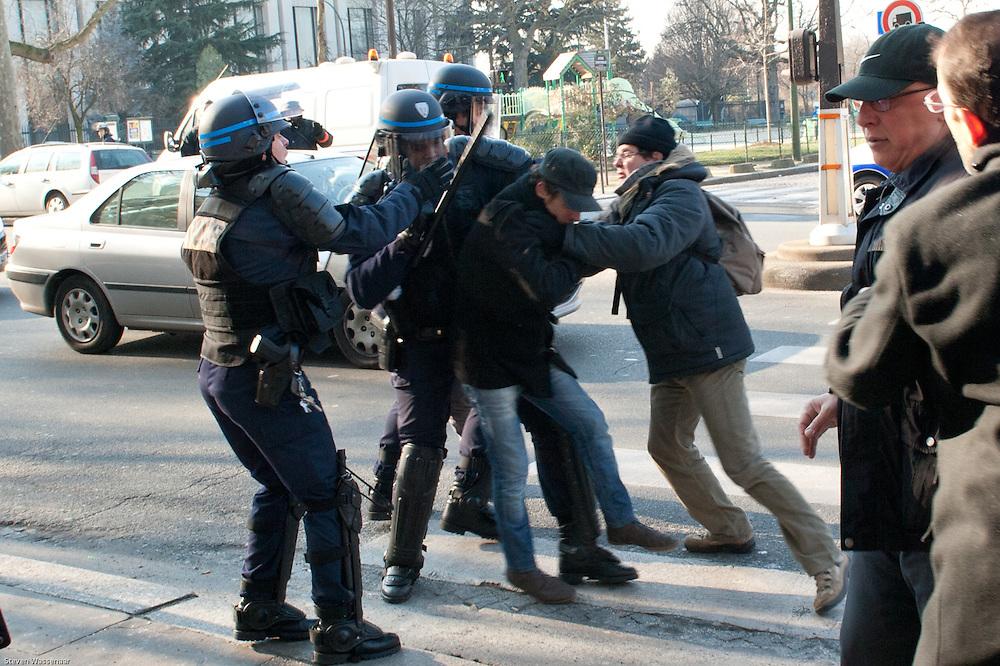 Anti and pro Bachar Al Assad demonstators fight before Russian Ambassy, Paris, France.