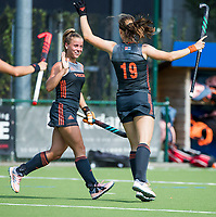 St.-Job-In 't Goor / Antwerpen -  Nederland Jong Oranje Dames (JOD) - Groot Brittannie (7-2). Michelle Fillet (Ned) scoort en viert het met oa Joosje Burg.   COPYRIGHT  KOEN SUYK