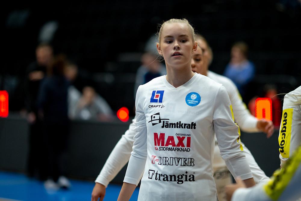 ÖSTERSUND 20210925<br /> Östersunds Elsa Svensson under lördagens match i Basketligan mellan Östersund Basket och Uppsala Basket i Östersunds Sporthall<br /> <br /> Foto: Per Danielsson/Projekt.P