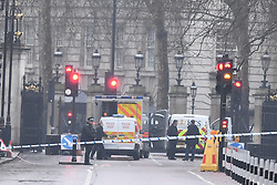 © Licensed to London News Pictures. 09/04/2018. London, UK. Police are seen closing Roads surrounding Buckingham Palace. A man was seen being arrested near the scene. The incident is being dealt with by the Anti Terror unit. Photo credit: Ben Cawthra/LNP