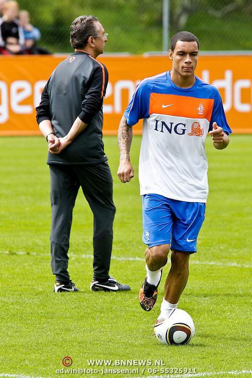 AUS/Seefeld/20100530 - Training NL Elftal WK 2010, Gregory van der Wiel