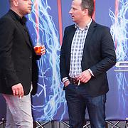 NLD/Amsterdam/20140422 - Premiere The Amazing Spiderman 2, Andy van der Meyde rookt een sigaret
