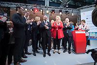29 JAN 2016, BERLIN/GERMANY:<br /> Martin Schulz (M), SPD, Kanzlerkandidat, nach der Vorstellungsrede von Schulz, Vorstellung von Schulz als Kanzlerkandidat der SPD zur Bundestagswahl, nach der Nominierung durch den SPD-Parteivorstand, Willy-Brandt-Haus<br /> IMAGE: 20170129-01-073<br /> KEYWORDS: Applaus, applaudieren, klatschen