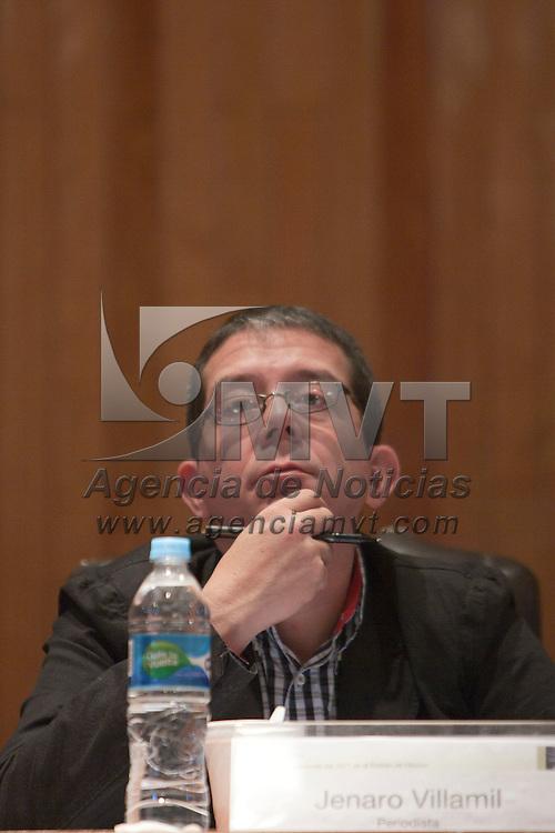 TOLUCA, Mexico.- El periodista Jenaro Villamil, durante el foro de discusión denominado Perspectivas y Lecciones del 2011 en el Estado de México. Agencia MVT / Mario Vazquez de la Torre. (DIGITAL)