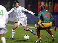 Fotball<br /> 20.11.2007<br /> Algerie v Mali<br /> Foto: Dppi/Digitalsport<br /> NORWAY ONLY<br /> <br /> FOOTBALL - FRIENDLY GAMES 2007/2008 - ALGERIA v MALI - 20/11/2007 - SALIM ARRACHE (ALG) / SOULEYMANE DIAMOUTENE (MALI)