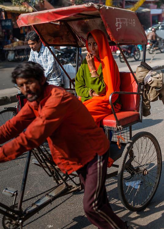 Man pulling rickshaw in Jaipur (India)
