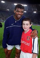 Kanu with the Arsenal mascot before the match. S.S.Lazio 1:1 Arsenal, UEFA Champions League, Group B, Olympic Stadium, Rome, 17/10/2000. Credit Colorsport / Stuart MacFarlane.