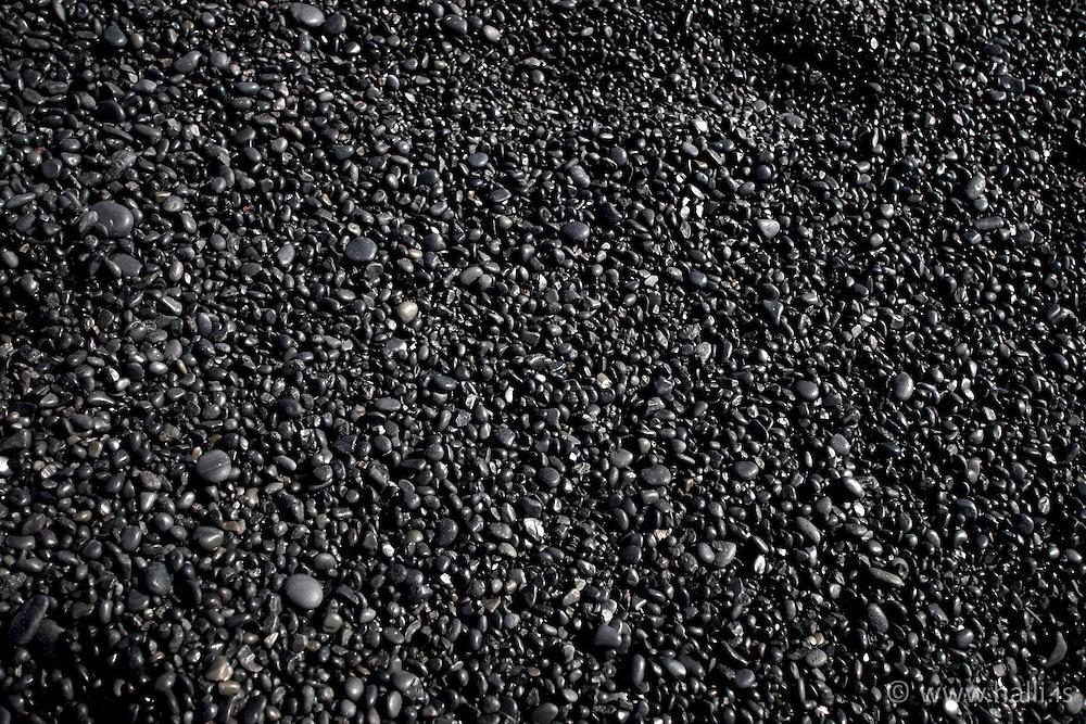 Small stones in the beach in Dritvik, Djupalon Snaefellsnes Iceland - Litlir steinar í fjöruborði í Dritvík, Djúpalón á Snæfellsnesi